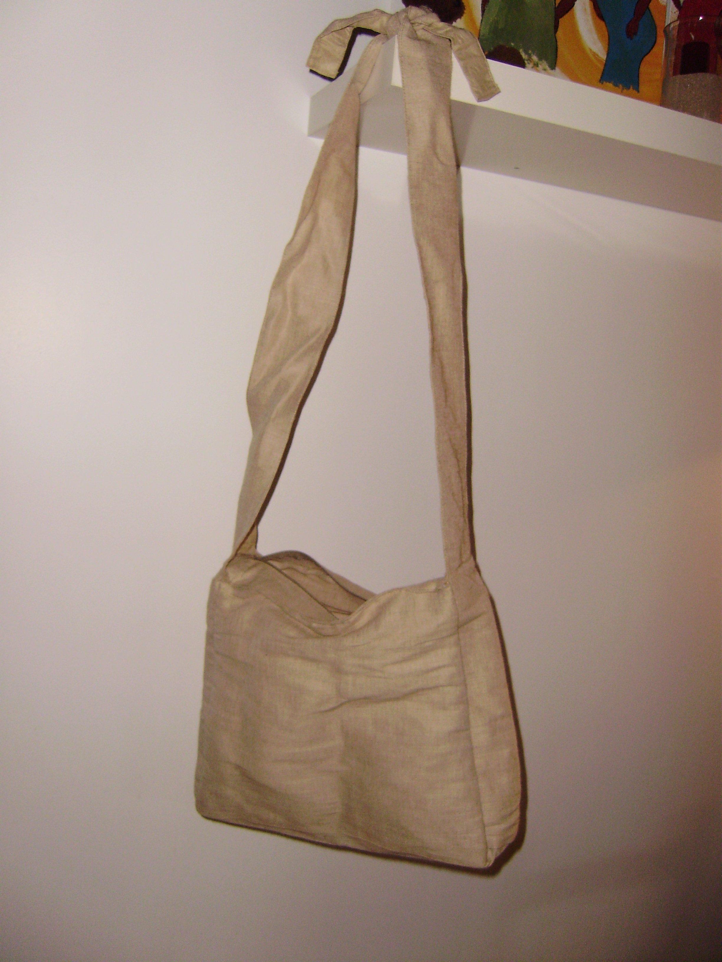 histoire de cr er customisation d un sac. Black Bedroom Furniture Sets. Home Design Ideas
